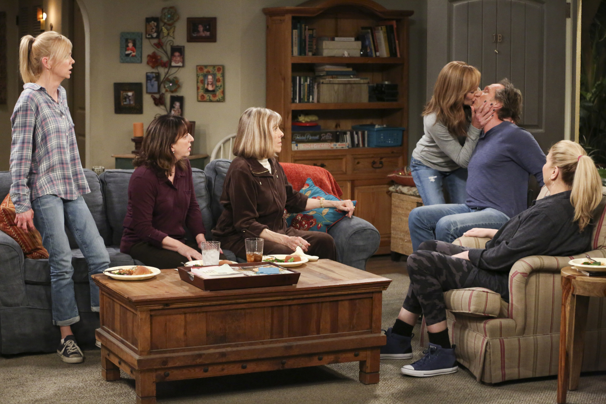 """Best bets for May 9: A season-end for """"Mom,"""" a series-end (almost) for """"Big Bang"""""""