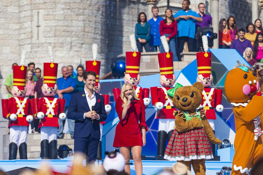 Best-bets for Dec. 25: From perky parade to Grinchy scheme