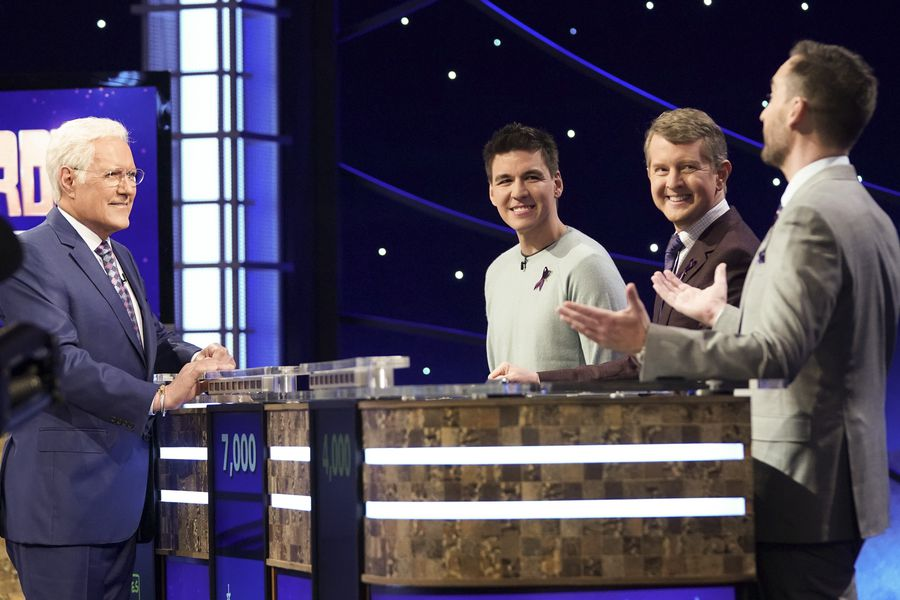 """""""Jeopardy"""" giants: smart and silly"""