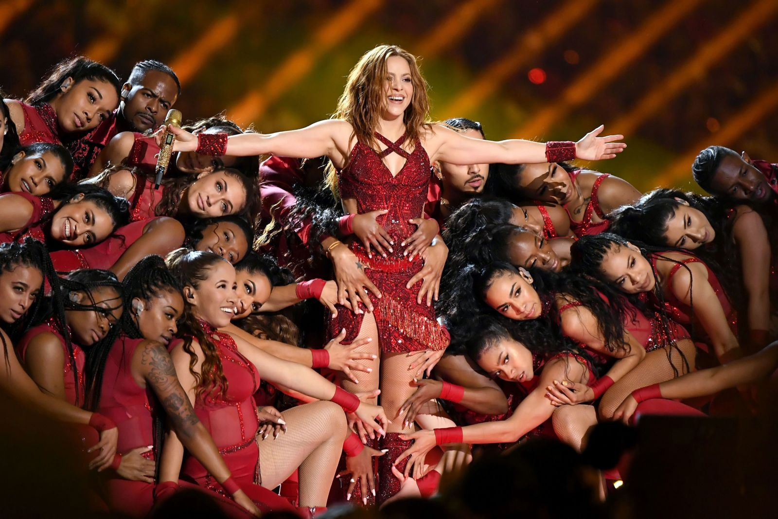 Super Bowl halftime: Craving in the closet